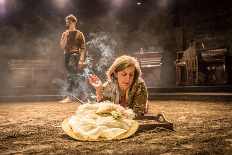 """Summer and Smoke"" at Almeida. Nancy Crane (Mrs Winemiller). Foto Marc Brenner"