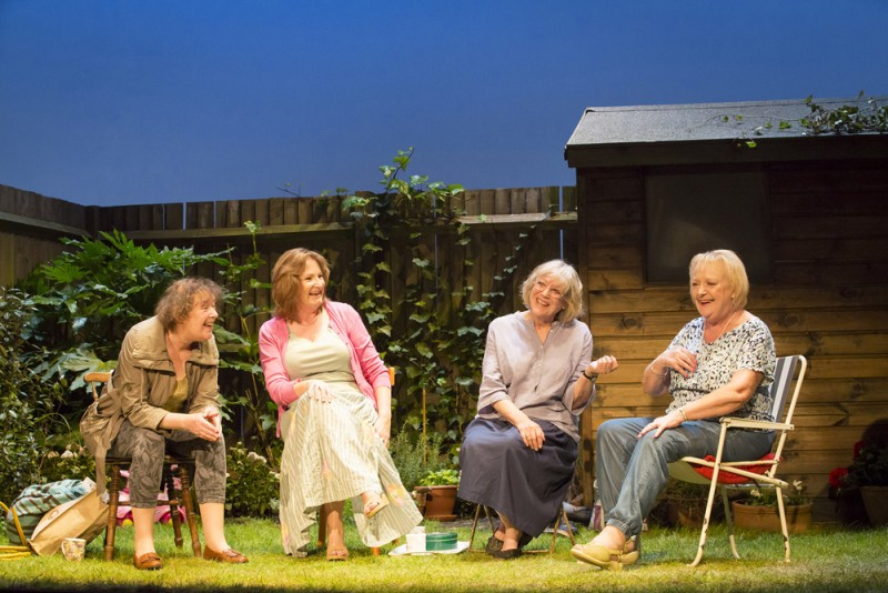 "Linda Bassett, Deborah Findlay, Kika Markham e June Watson in ""Escaped Alone"", regia James Macdonald. Foto Johan Persson"