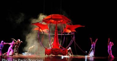 """Sonics, favolosi acrobati volanti per scoprire, vivere la meraviglia al """"Festival Siena and Stars"""" di Mario Mattia Giorgetti"""