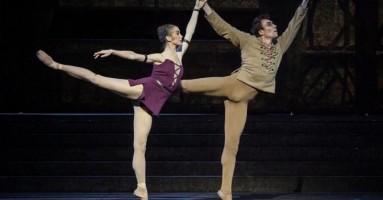NOTRE-DAME DE PARIS - coreografia Roland Petit