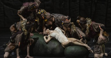 BIANCANEVE - coreografia Angelin Preljocaj