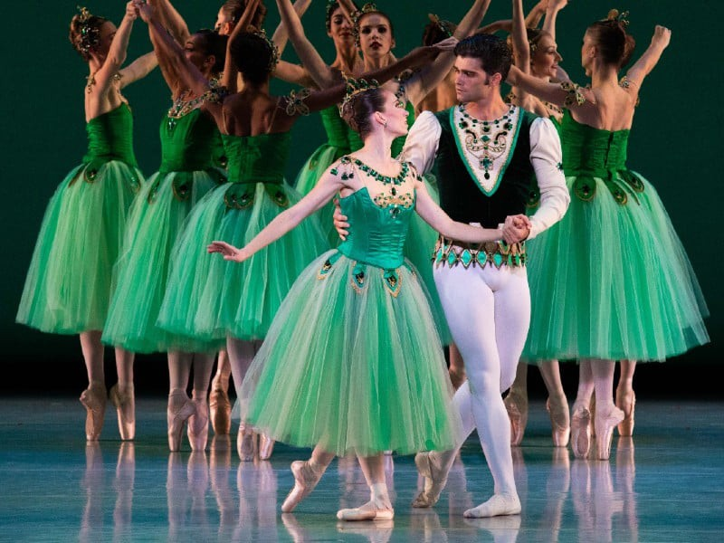 "Ballet West in ""Emeralds"" – primo atto di ""Jewels"", di G. Balanchine"