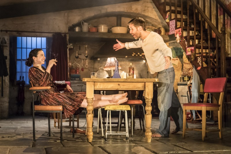 "Laura Donnelly (Caitlin Carney) e Paddy Considine (Quinn Carney) in ""The Ferryman"", regia Sam Mendes. Foto Johan Persson"