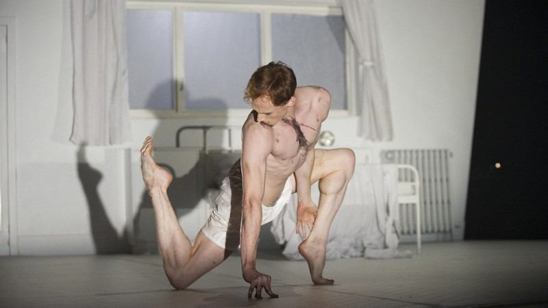 "Edward Watson in ""The Metamorphosis"" ©ROH_Tristram Kenton, 2011"