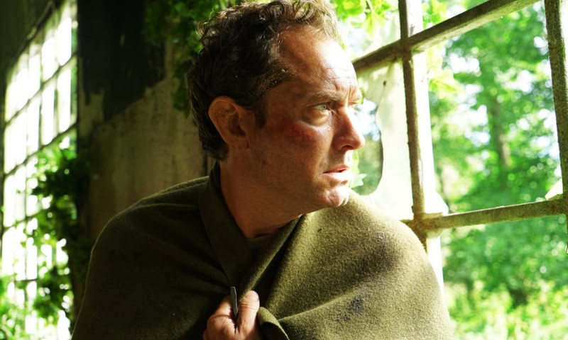 "Jude Law in ""The third day"", regia Foto Liam Daniel"