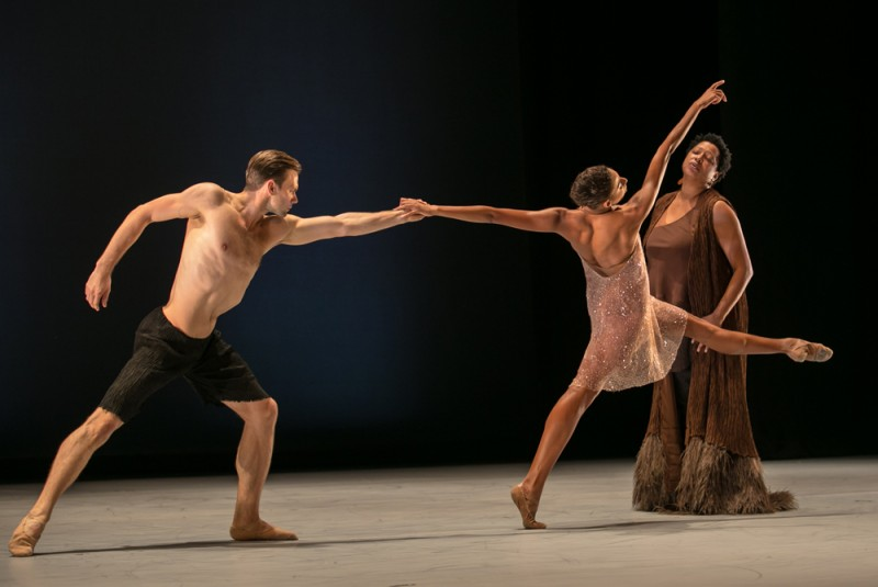 """The Propelled Heart"", coreografia Alonzo King. Foto Quinn B. Wharton"