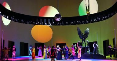 """TEATRO REGIO, FESTIVAL VERDI 2021 - """"UN BALLO IN MASCHERA"""" (GUSTAVO III), regia Jacopo Spirei dal progetto di Graham Vick. -di Federica Fanizza"""