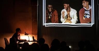 """4° CORTILE TEATRO FESTIVAL 2020 - """"Stay hungry"""" di e con Angelo Campolo. -di Gigi Giacobbe"""